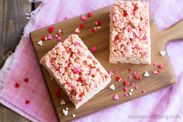 Strawberry rice crispy
