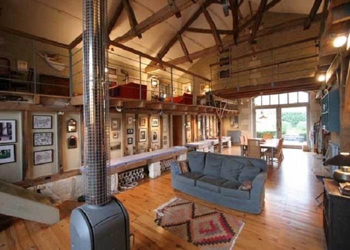 Barn house decorating ideas converted into cool for Metal building interior ideas