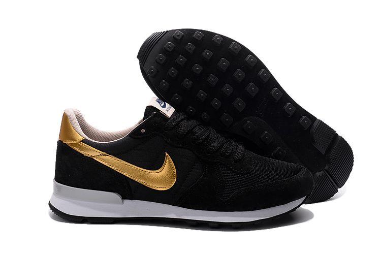 Image result for nike zwart goud | Zwart goud, Zwart, Nike