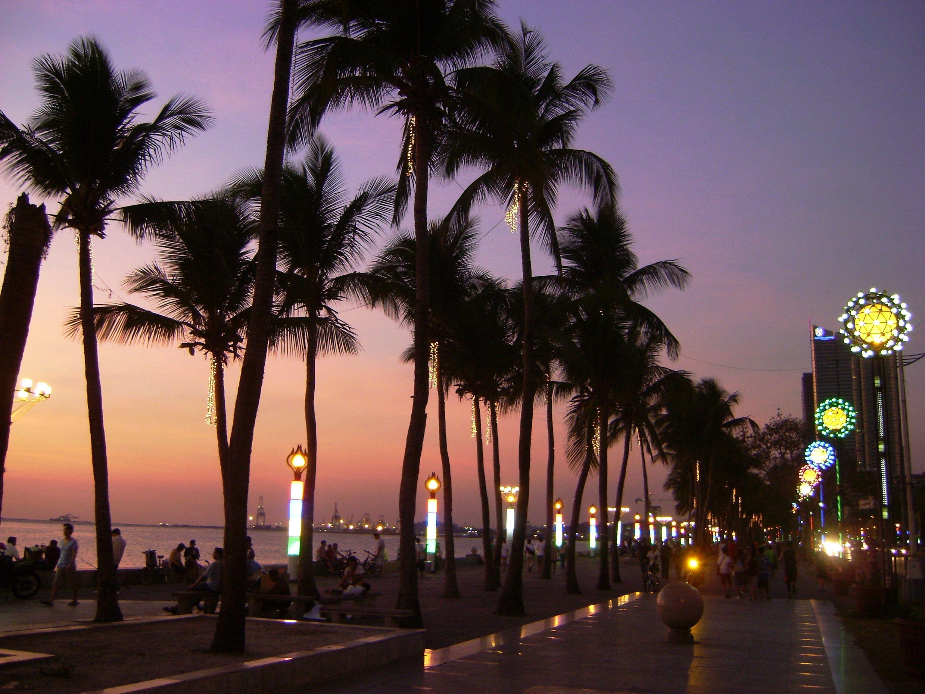 sunset at manila bay, philippines...always mesmerizing!