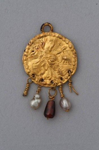 Gold Amulet Pendant Johns Hopkins Archaeological Museum Ancient Jewelry Ancient Jewels Antique Jewelry