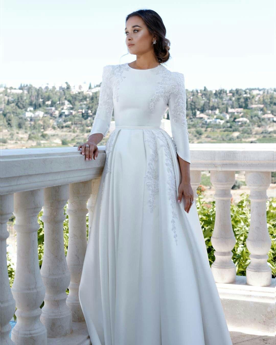 Pin By Roaida On Noivas Modestia Modest Wedding Dresses Winter Wedding Dress Wedding Dresses [ 1350 x 1080 Pixel ]