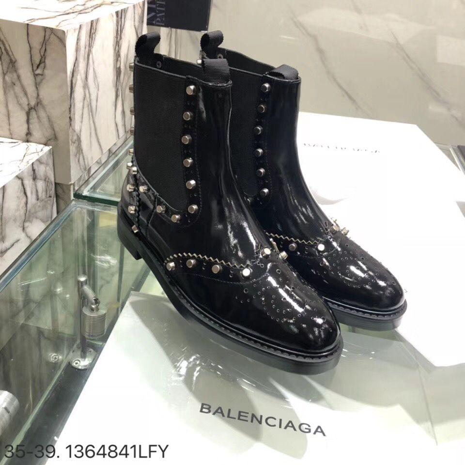 5daeecc6353d Balenciaga woman vintage shoes short leather ankle boots black ...