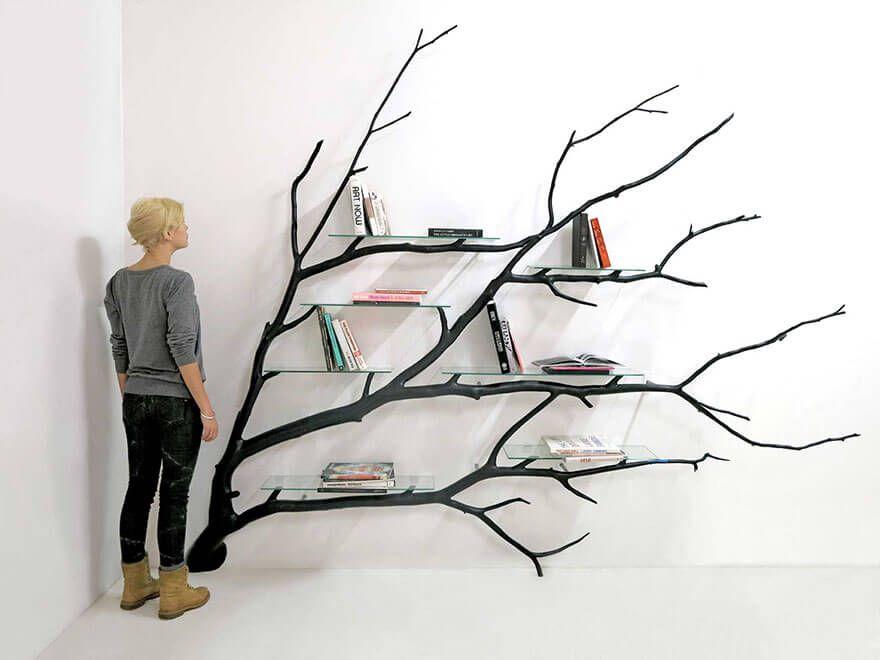 diy b cherregal aus einem gefallenen ast diy b cherregale b cherregale und ast. Black Bedroom Furniture Sets. Home Design Ideas