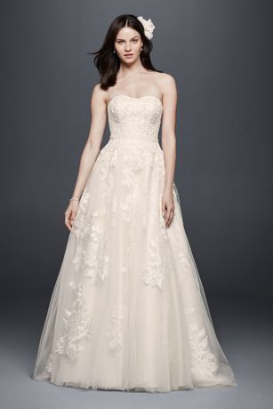 a strapless sweetheart neckline is flattering and feminine