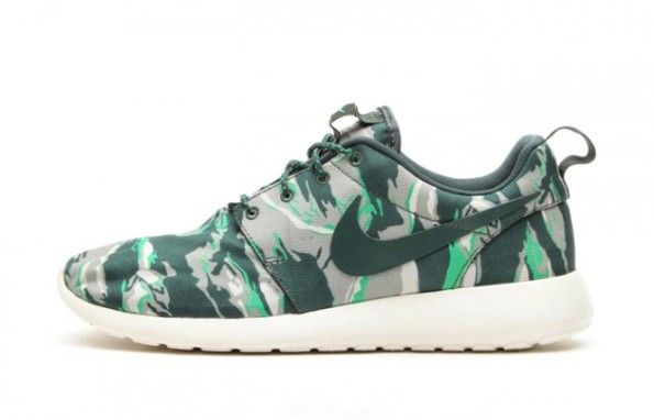 "Nike Roshe Run ""Tigerstripe Camo"" Pack"