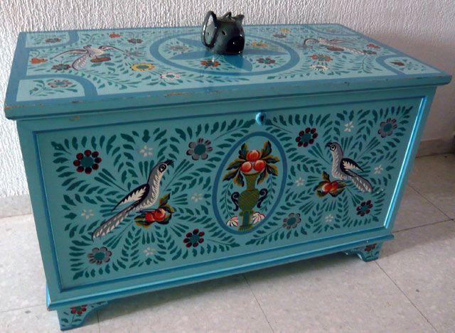 Meuble Peint Artisanat Tun Jpg 640 469 Decorative Boxes Vintage Trunks Cool Furniture