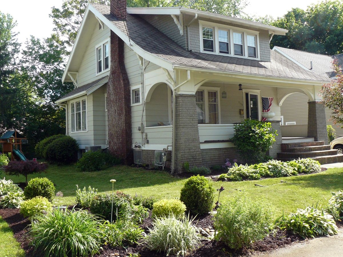 10 Well Crafted Craftsman Homes Starting At 104 900 Bungalow Exterior Craftsman Bungalows Craftsman Cottage
