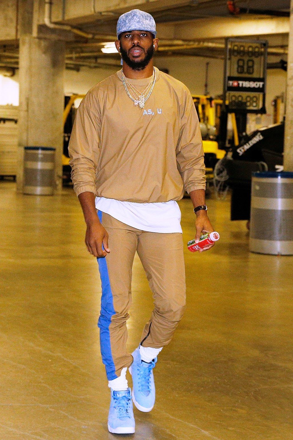 The Clothes Nba Players Can T Stop Wearing Right Now Nba Fashion Sports Fashion Men Mens Casual Outfits