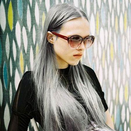 Cheveux long blanc gris