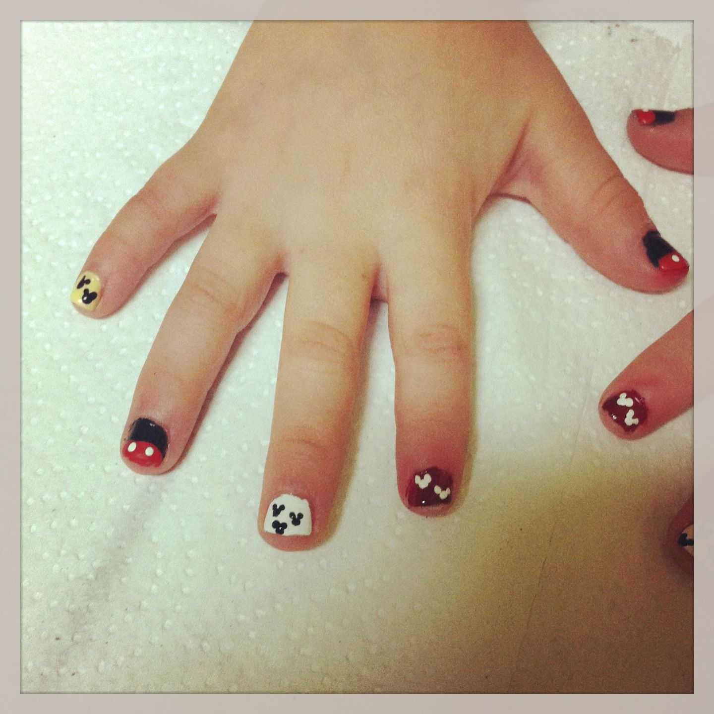 Mickey Mouse Nails For Little Girls Naleiya In 2018 Pinterest