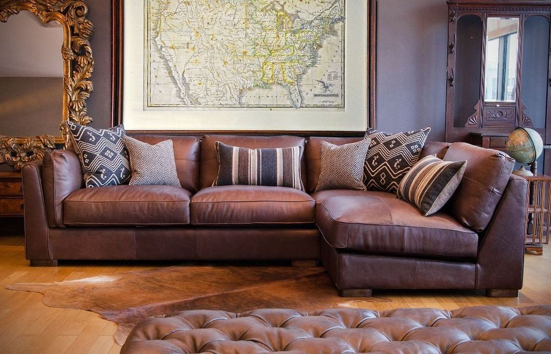 lovely purple leather living room furniture set | 48 Lovely Farmhouse Living Room With Leather Sofa Ideas ...
