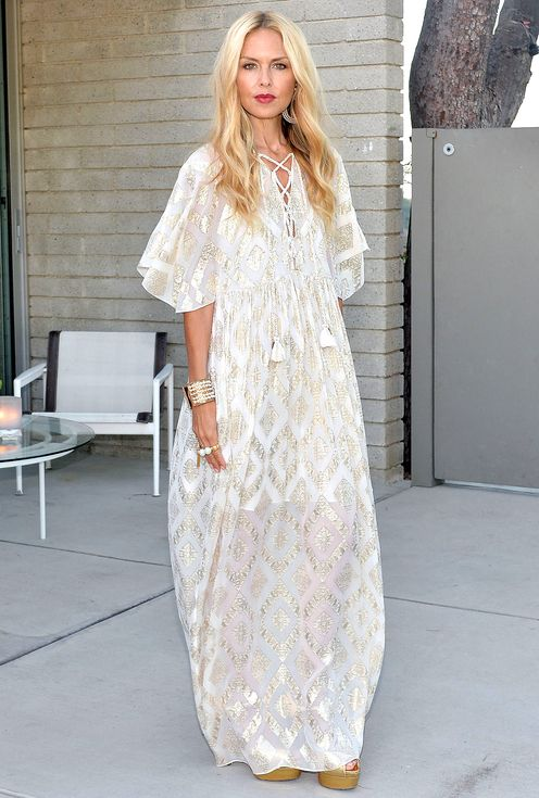 847e9b236d15dc Rachel Zoe in a white patterned caftan - click ahead for more summer outfit  ideas for when it's really, really hot