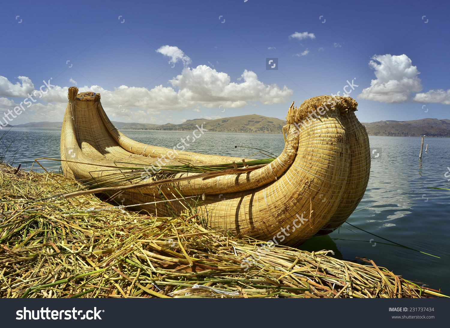 Uros Floatin Island On Lake Titicaca In Peru, Traditional Reed Boats Stock Photo 231737434 : Shutterstock