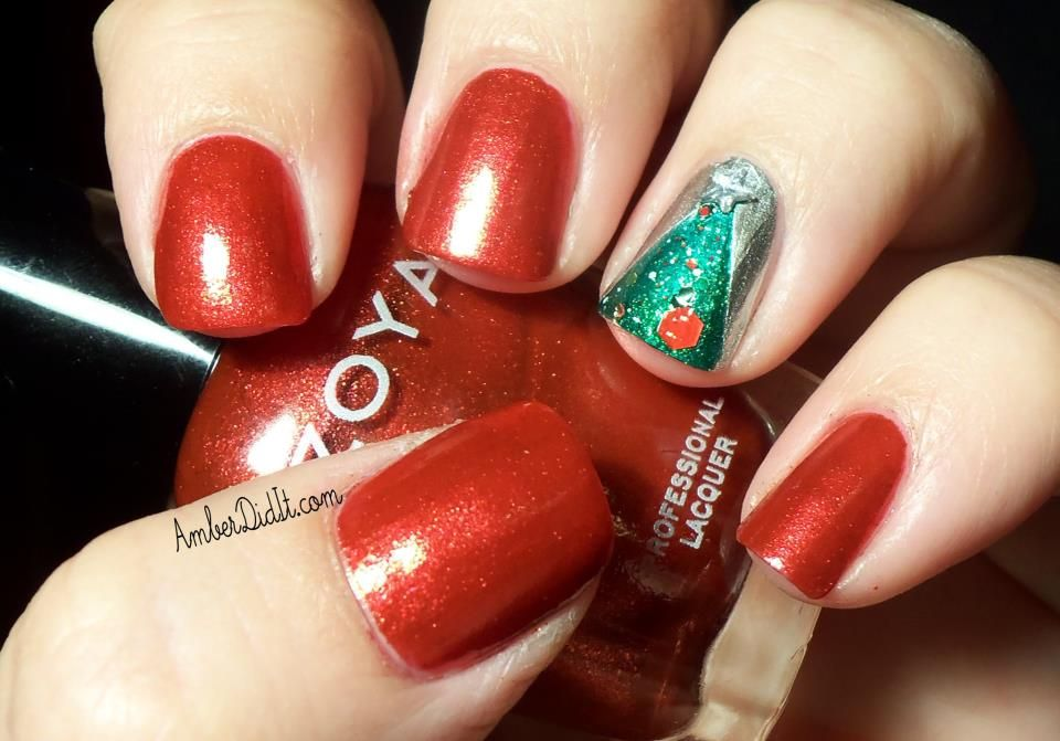Holiday Accent Nail with Zoya Nail Polish in Carrie Ann and Ivanka