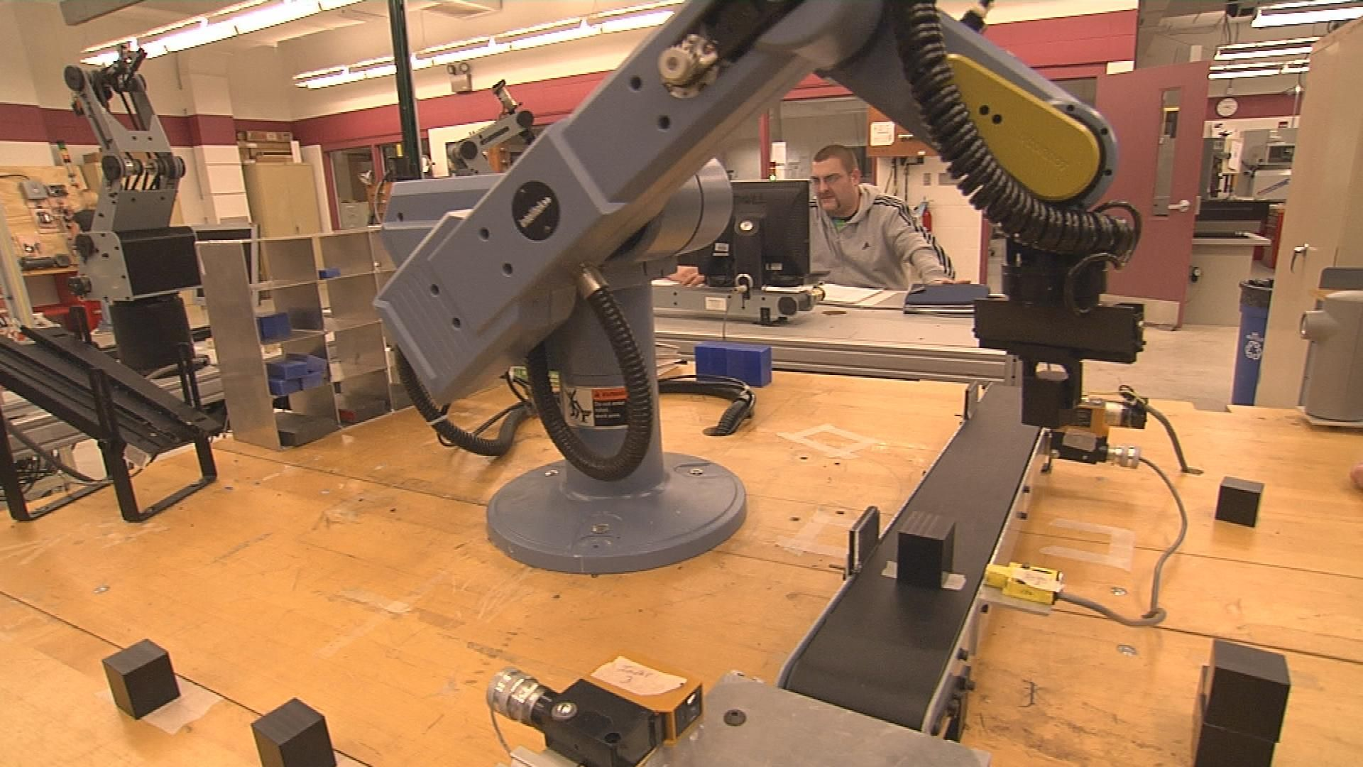 Automated Manufacturing Systems Tech. Manufacturing