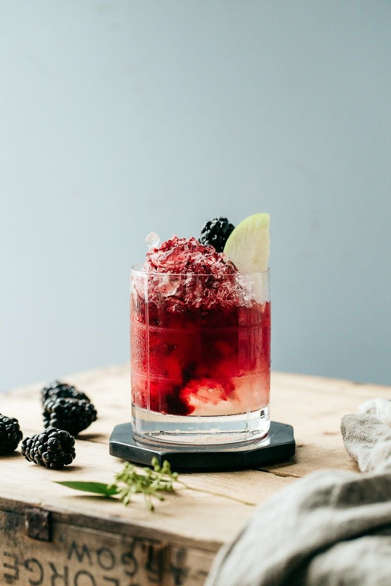 Monday Mocktails That Are Almost As Good As The Real Thing Non Alcoholic Cocktails Alcoholic Cocktails Mocktail Recipe
