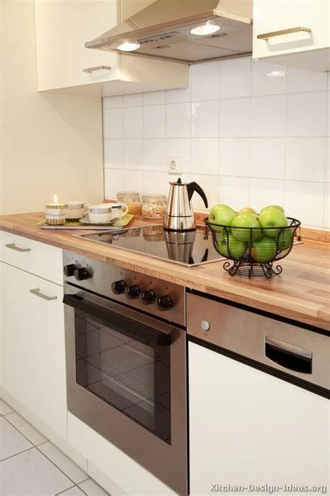 25 Modern Kitchen Countertop Ideas (Fresh Designs for Your Home)