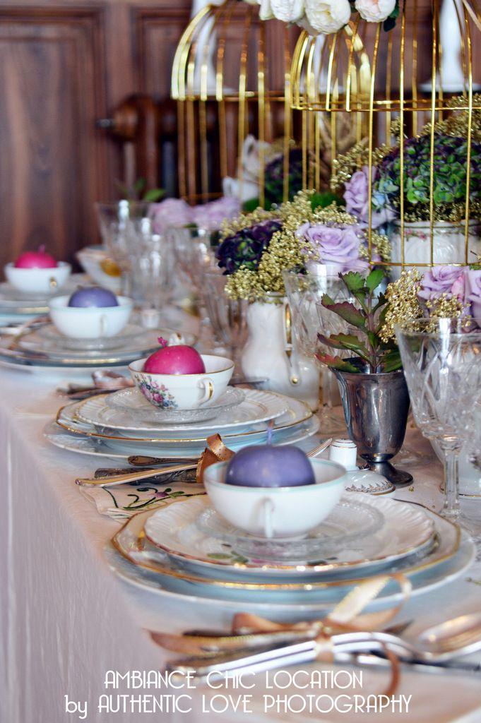 Ma belle mise en scène mariage avec ma vaisselle vintage, quelques fleurs, et mes belles cages or