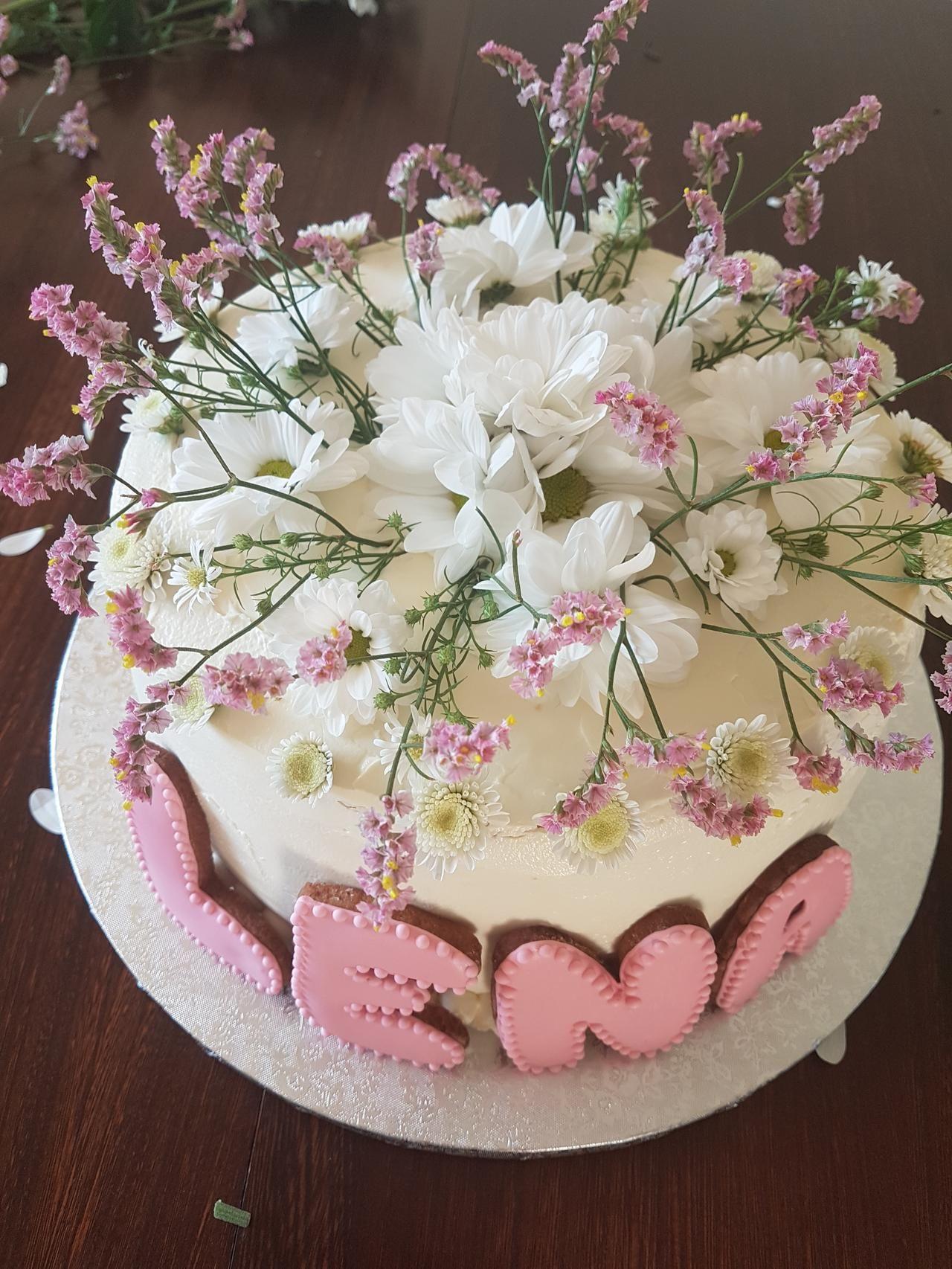 Tort Komunijny Ze Swiezymi Kwiatami 2 Desserts Cake Food