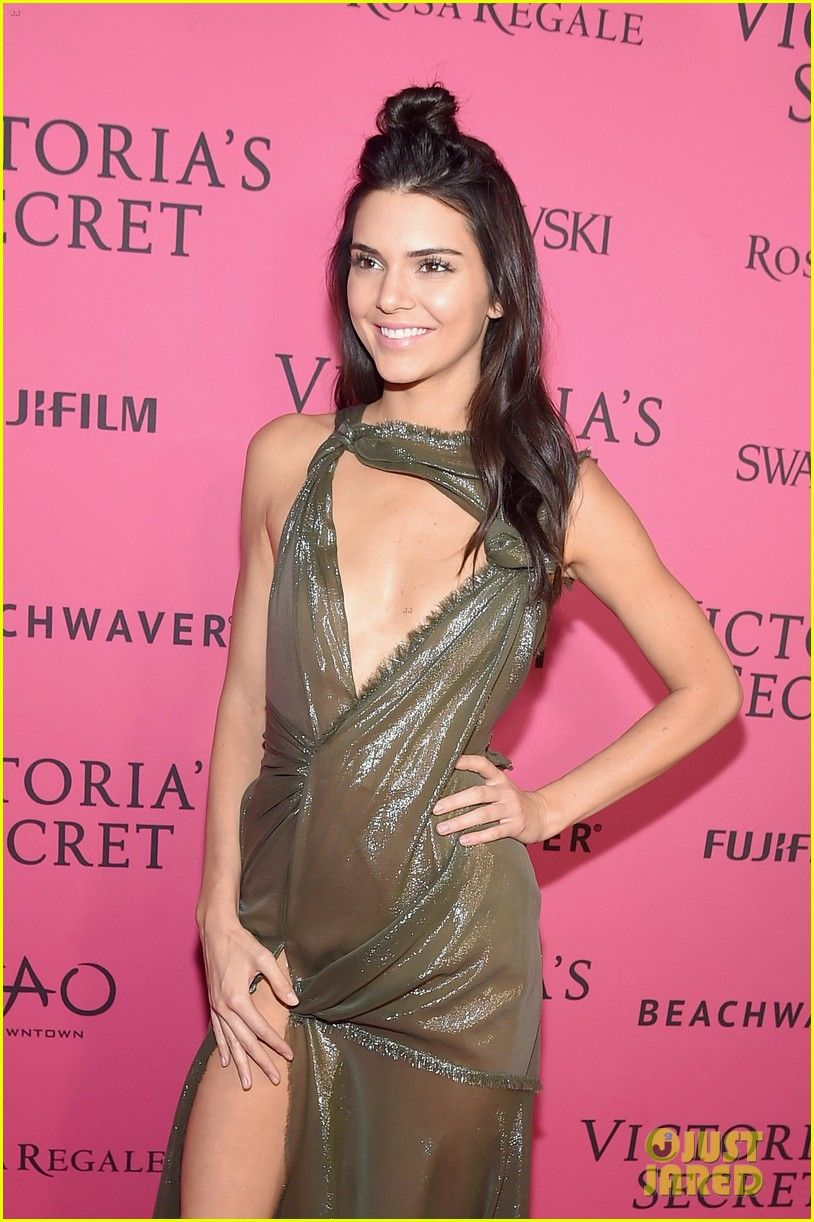 Fashion week Secret victorias considering kendall jenner for lady