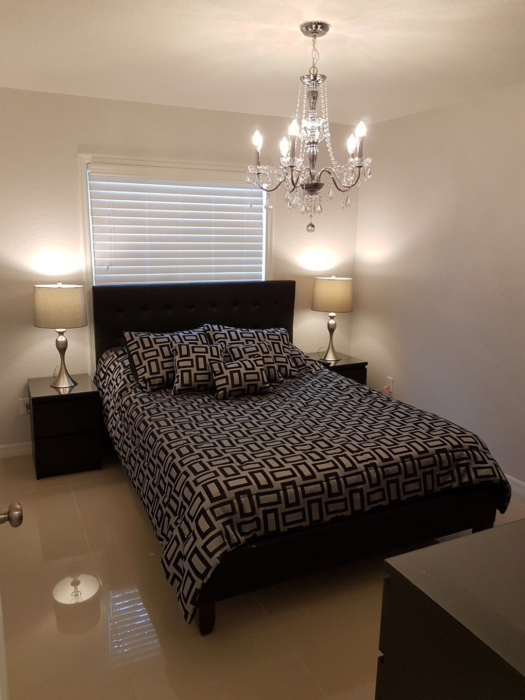 4 bedrooms and 2 bathrooms beautiful condo in the heart of