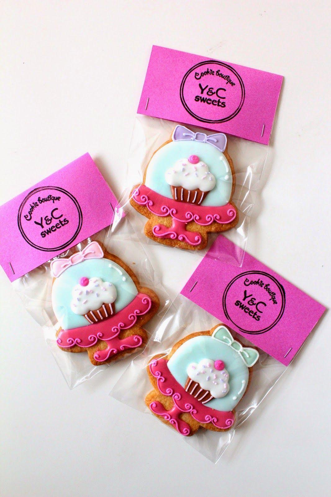 ケーキスタンドのアイシングクッキー Cakestand icing cookies Cookie