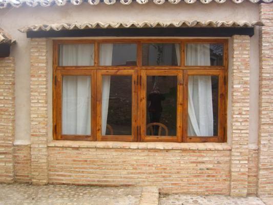 Ventanas rusticas pesquisa google fachadas de casas for Ventanas de madera rusticas precio