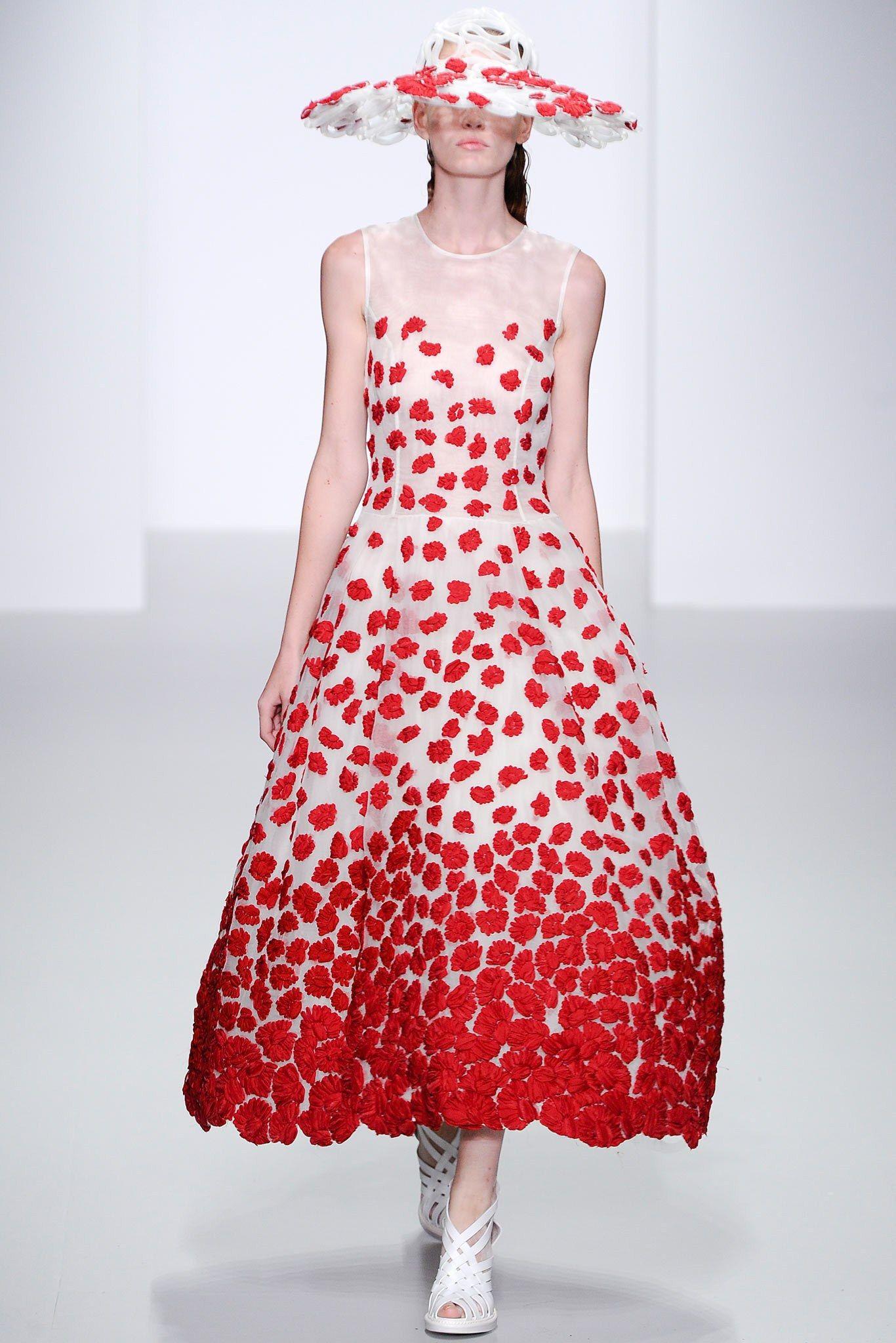 John Rocha Spring 2014 Ready-to-Wear Collection Photos - Vogue