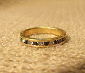 Vintage Size 5 Gold tone blue stone band ring