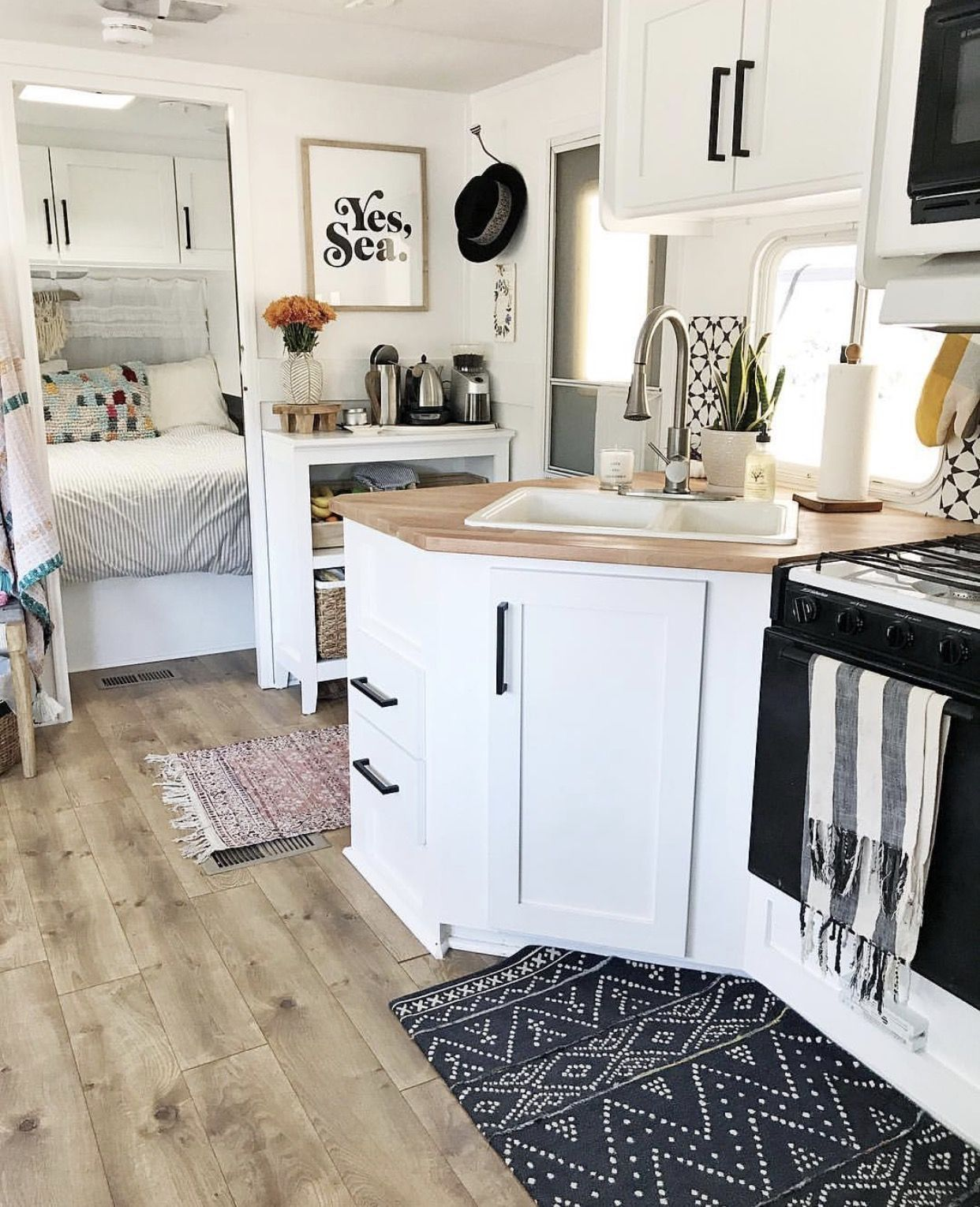 44 Best RV Remodel Kitchen Ideas To Your Inspire | Glamping | Rv