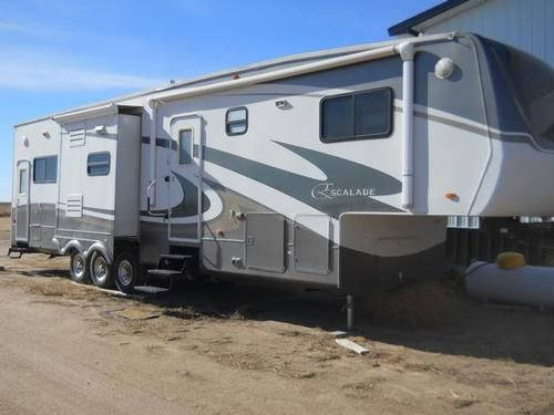 Pin By Rv Registry On Fifth Wheels Recreational Vehicles Fifth