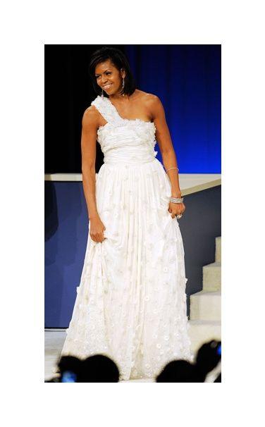 Michelle Obamas Black Dress at State Dinner | POPSUGAR