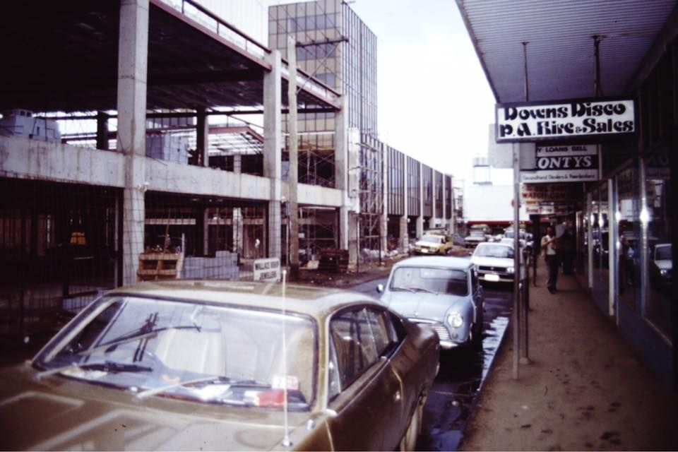 bell st mall 1982 when is was a road toowoomba. Black Bedroom Furniture Sets. Home Design Ideas
