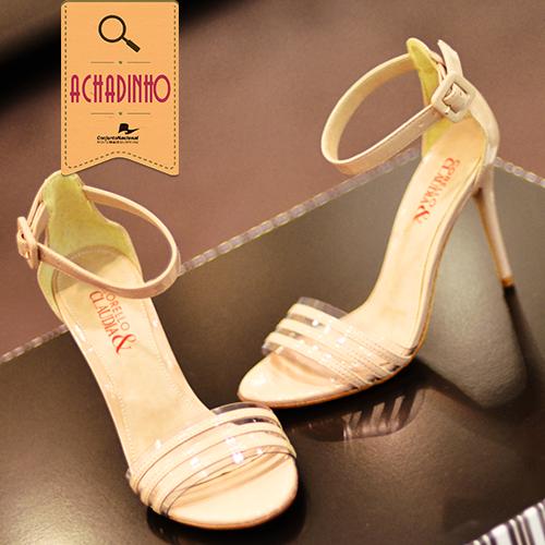 Nosso achadinho de hoje é da Corello!  Encontramos a sandália desenhada especialmente pela marca para comemorar os 52 anos da revista Cláudia.   Essa é da cor nude. Vai bem com quase tudo!