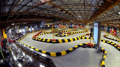 indoor go kart tracks google search indoor go kart tracks pinterest salle de jeux. Black Bedroom Furniture Sets. Home Design Ideas