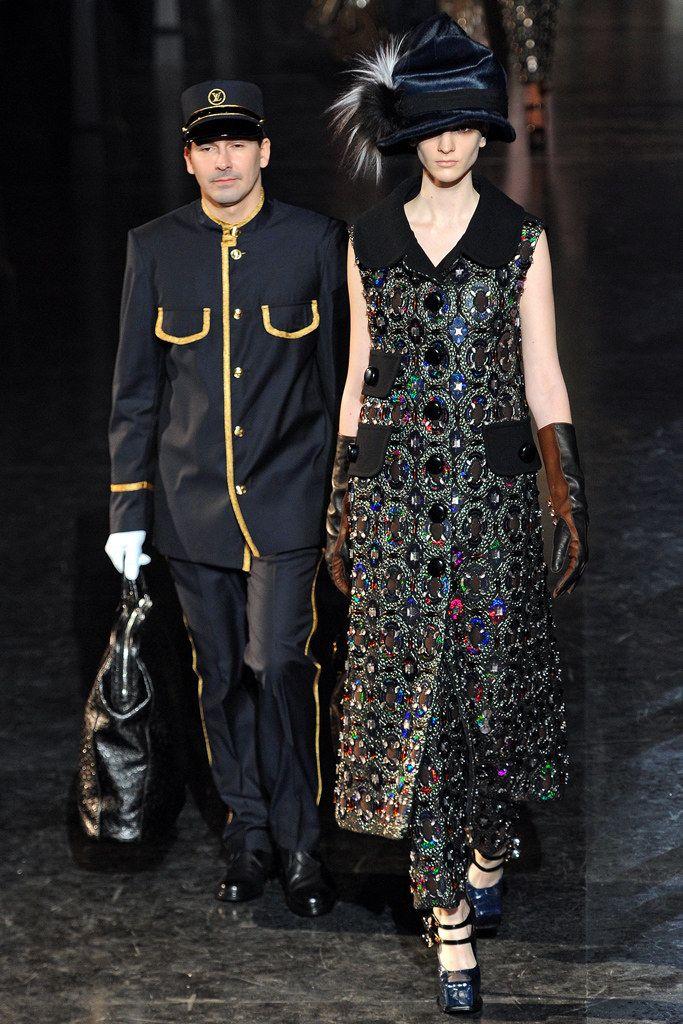 Louis Vuitton Fall 2012 Ready-to-Wear Fashion Show - Ros Georgiou (Supreme)