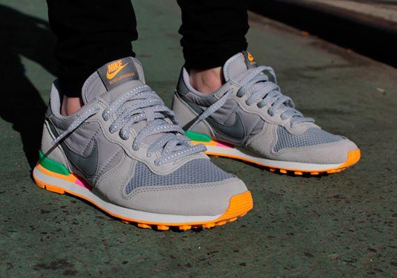 Nike Womens Internationalist - Grey - Green - Mango | Available -  SneakerNews.com