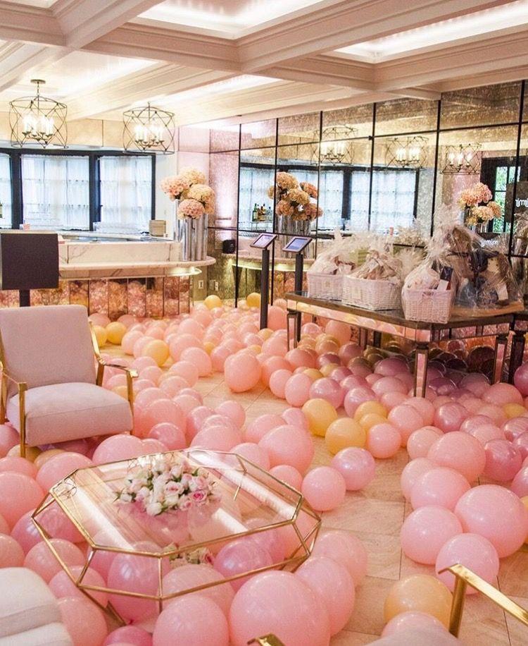 Khloe Kardashian Baby Shower Gold Mirror Amp Balloon Decor
