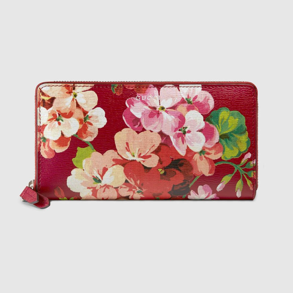 e6090012efb1c7 Blooms print zip around wallet | Gucci | Gucci wallet, Gucci, Gucci ...