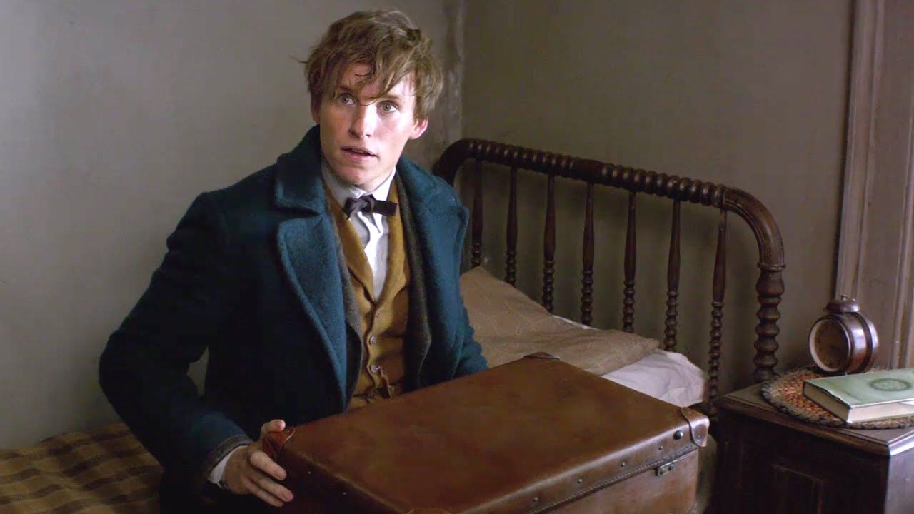 FANTASTIC BEASTS AND WHERE TO FIND THEM - Official Trailer #1 (2016) Har...