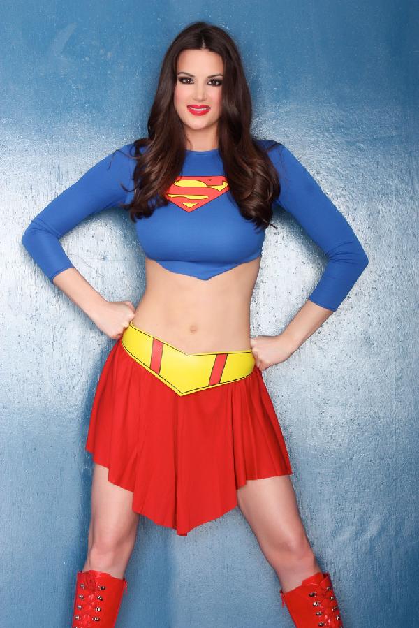 Tiffany Taylor Als Supergirl Project Pinterest