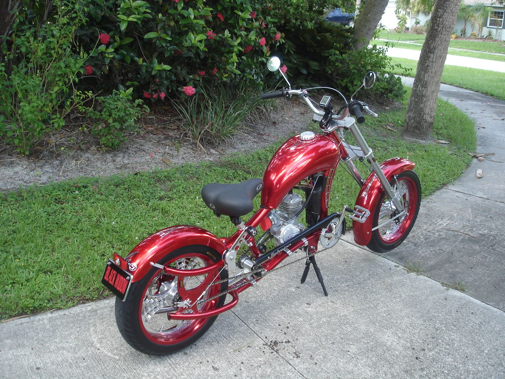 photos of custom motorized bicycles see occ schwinn. Black Bedroom Furniture Sets. Home Design Ideas