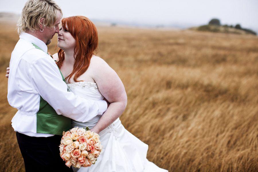 beautiful bride, beautiful setting...BEAUTIFUL photo!