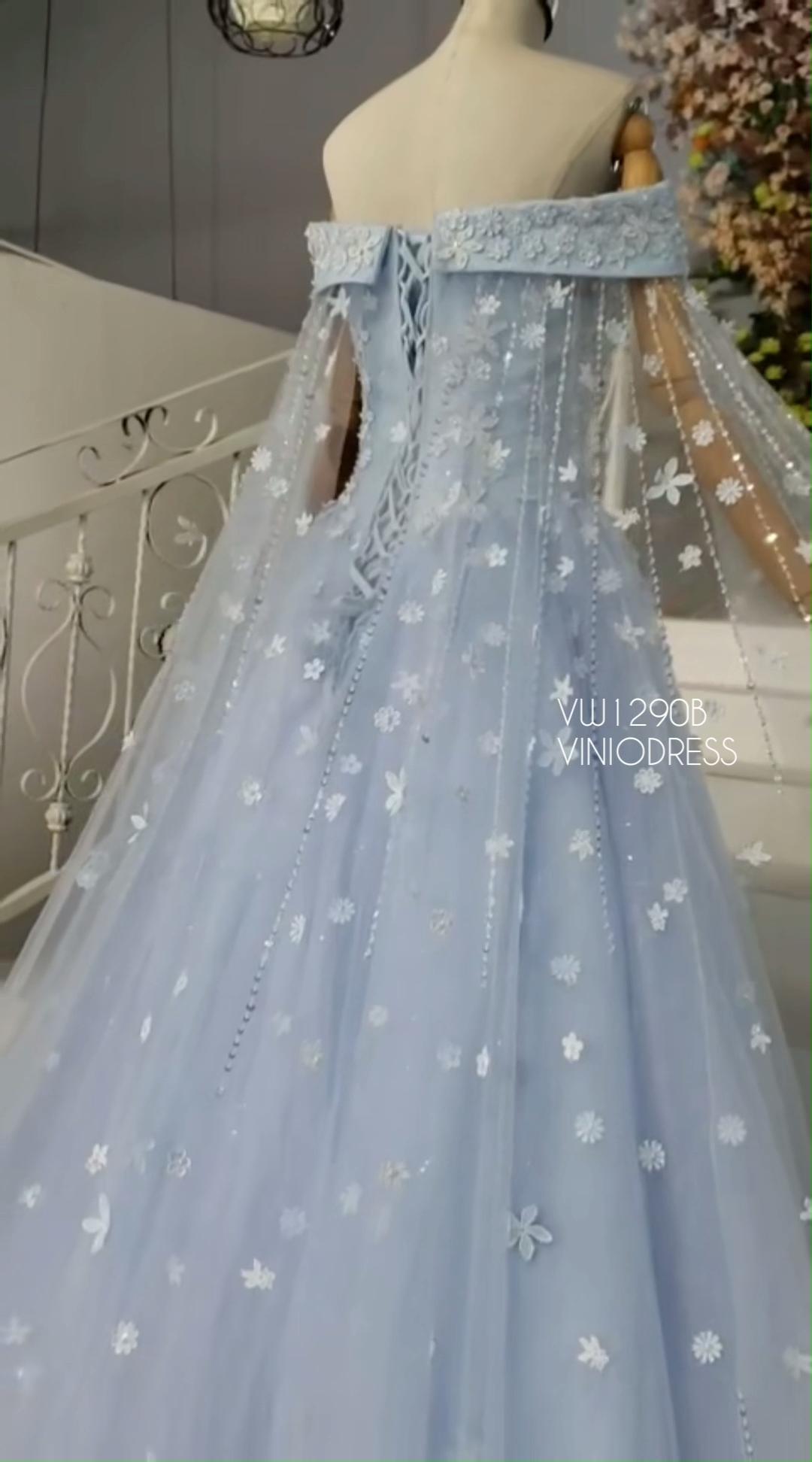 3d Floral Light Blue Princess Dress With Cape Couture Couturefashion Prom Style Fashion Sourc Sparkly Prom Dresses Prom Dresses Princess Prom Dresses [ 1944 x 1080 Pixel ]