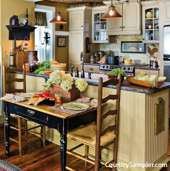 Design For Kitchen With Beadboard And Chairrail: This Kitchen Find Touches Of Farmhouse Style In The