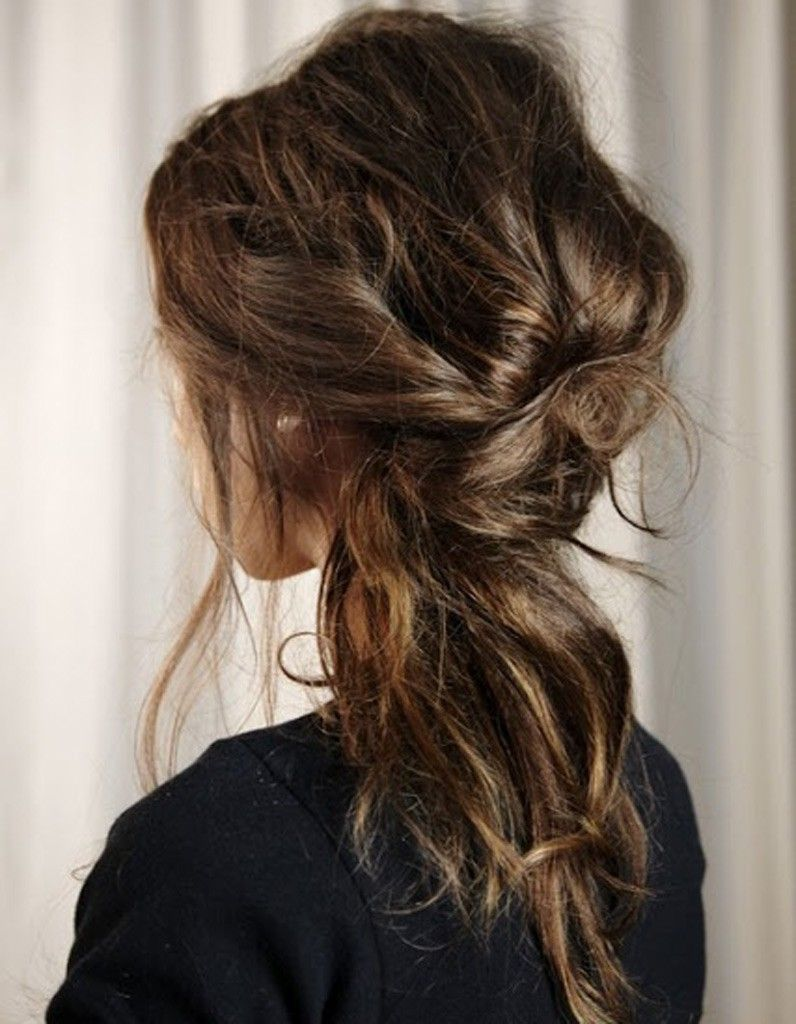 Coiffure cheveux ondulations naturelles hiver 2015