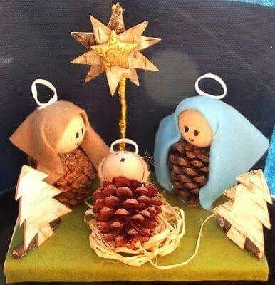 Arbol De Navidad Hecho De Pinas