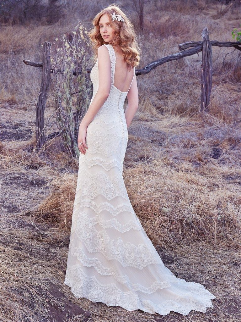 b39a1bd74f35 Best Designer For Bohemian Wedding Dress