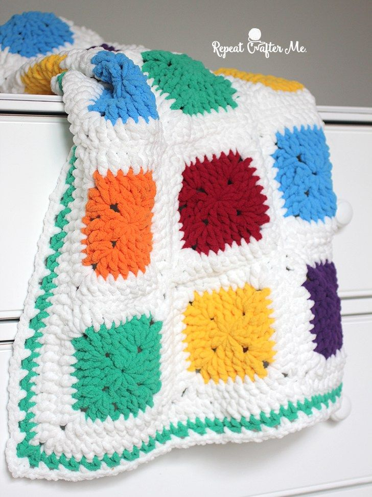 Bright and Bulky Bernat Blanket | Oh Baby! Projects | Pinterest